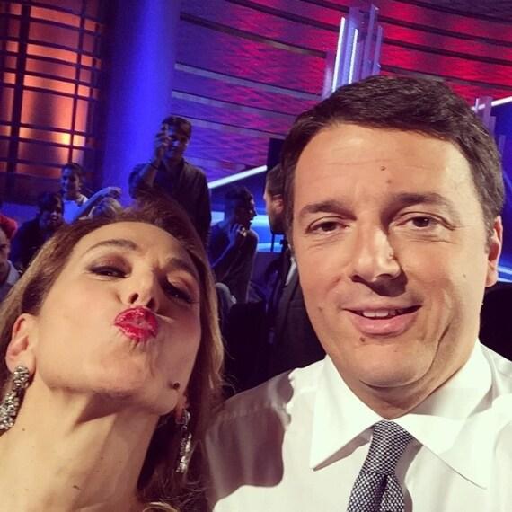 """Questo pomeriggio, a """"Domenica Live"""", Barbara d'Urso ha intervistato il Premier Matteo Renzi che ha parlato di lavoro e prospettive di crescita per l'Italia."""