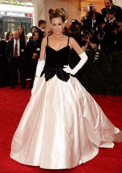 E' sempre una regina quando si tratta di stile ed eleganza. Voto 9