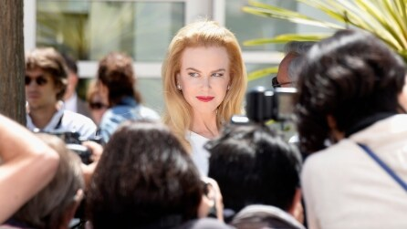 """Cannes: il look di Nicole Kidman per il lancio di """"Grace di Monaco"""""""