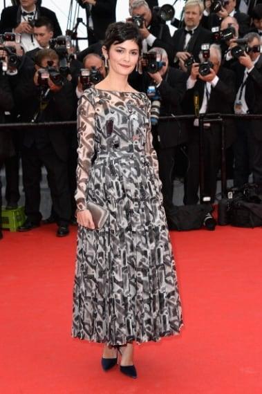 La deliziosa attrice sbaglia look, sul red carpet sembra avere il doppio degli anni che ha. Voto 5