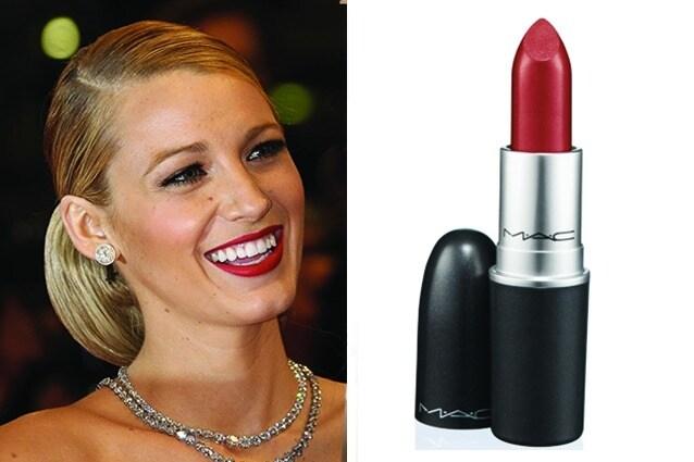 Per ottenere lo stesso effetto sulle tue labbra il rossetto di cui non puoi fare a meno è di MAC e si chiama Ruby Woo (18.65€)