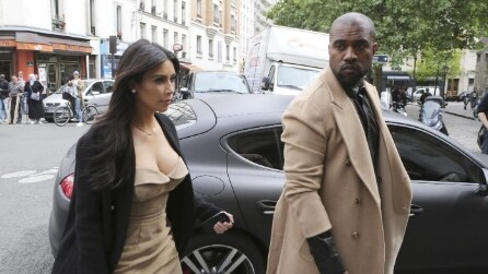 Kim Kardashian, shopping a Parigi prima del matrimonio