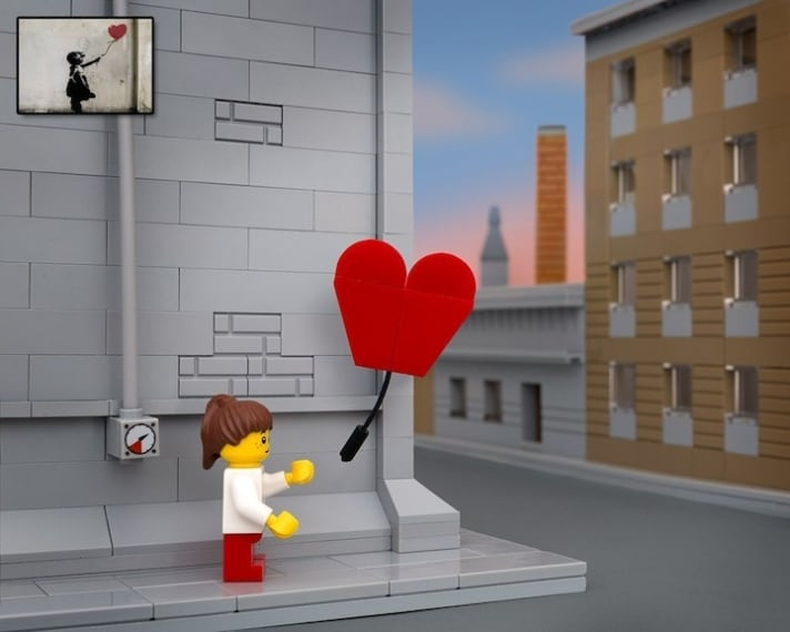 Lampada Lego Cuore : Le opere di banksy reinventate con i lego