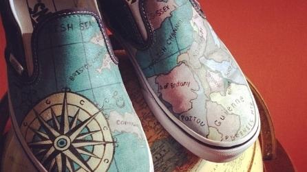 Le scarpe dipinte con i soggetti più originali