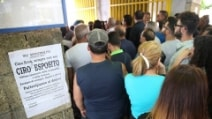 Folla alla camera ardente per Ciro Esposito