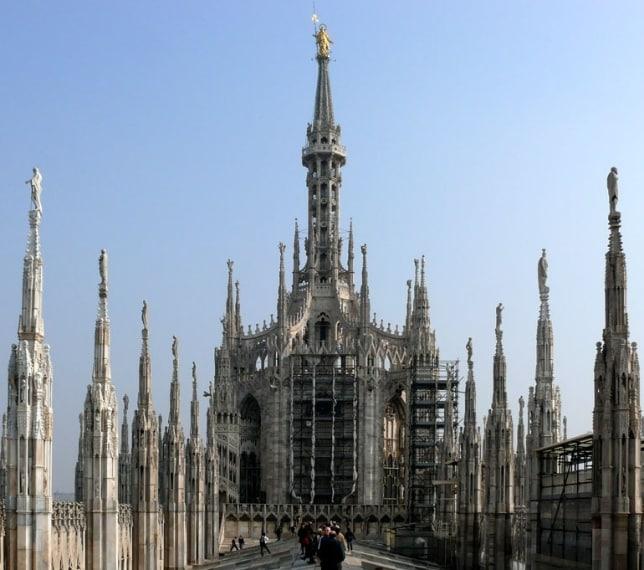 a costruzione di questa cattedrale stravagante iniziò nell'anno di 1386, il che lo rende l'edificio più antico di tutta la nostra lista.