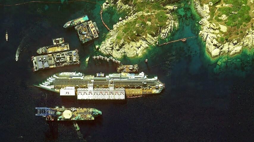 La Costa Concordia all'Isola del Giglio