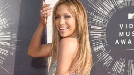 Il naked look lucente di Jennifer Lopez
