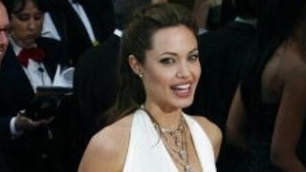 Quale abito ha indossato Angelina Jolie per il suo matrimonio