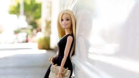 Barbie debutta su Instagram e si trasforma in fashion blogger