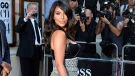 "Kim Kardashian: look ""sadomaso"" ai GQ Men Of The Year Awards"