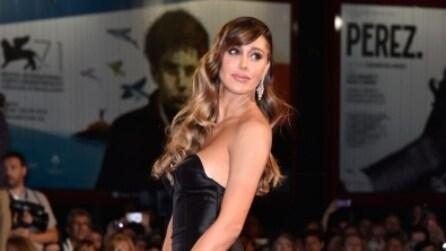 Belén Rodriguez, sexy scollatura sul red carpet di Venezia 71