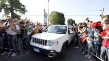GP Italia, Alonso e Raikkonen arrivano all'autodromo di Monza con la Jeep di Melfi