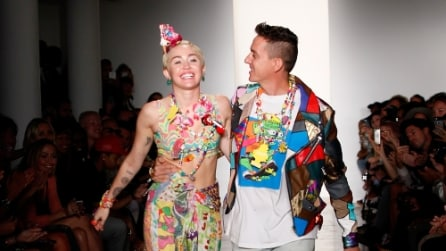 Miley Cyrus in passerella a New York per Jeremy Scott