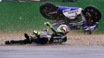 Misano, la caduta di Valentino Rossi nel primo turno di libere