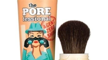 Come minimizzare l'acne con il make up