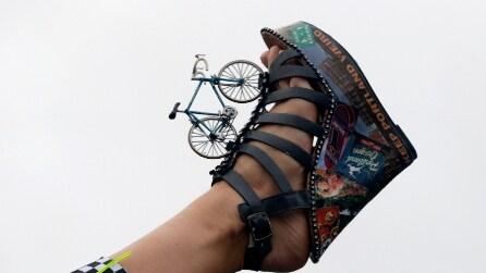 Le scarpe più strane sfilano ai piedi di Miss America 2014