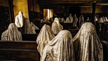 Repubblica Ceca, l'installazione spettrale nella chiesa abbandonata