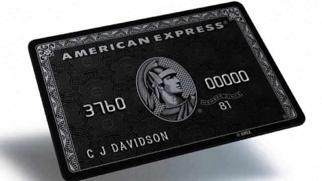 La carta American Express Centurion è la carta più esclusiva al mondo, così esclusiva che bisogna essere invitati per ottenerne una. I requisiti includono 16,3 milioni dollari in beni e $ 1,3 milioni di reddito familiare. Bisogna anche essere in grado di pagare 2.500 dollari di tassa annuale della carta e $ 7500 di canone iniziale.