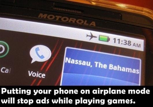 Non sopporti le pubblicità continue mentre stai giocando sul tuo smarphone? Utilizza la modalità aereo e scompariranno.