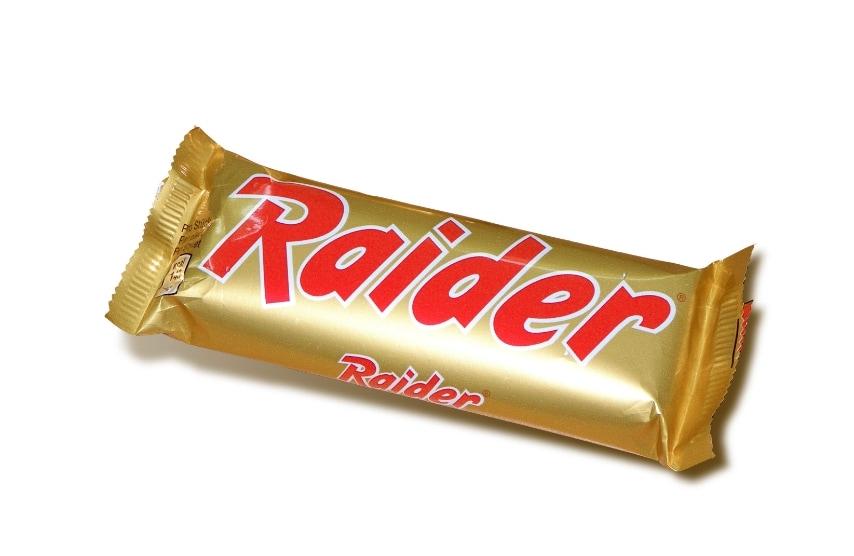 Se i bambini di oggi mangiano il Twix, per i bambini degli anni '80 lo stesso snack continuerà a chiamarsi per sempre il Raider.