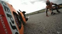 MotoGP, Valencia. Marc Marquez cade nel terzo turno di libere