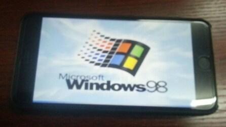 Windows 98 installato su iPhone 6 Plus