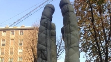 "Milano, monumento ""hard"" in corso Indipendenza"