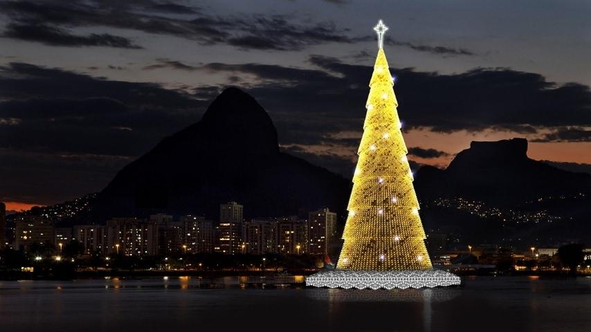 Dal 1996 l'albero di Natale di Rio è diventato una vera attrazione turistica. Con oltre 3 milioni di luci, che cambiano colore ed effetto scenografico, è l'albero galleggiante più alto del mondo