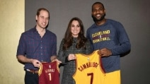 William e Kate in Usa e quell''abbraccio di troppo' di LeBron James