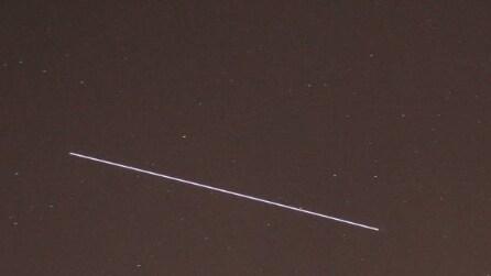 La Stazione Spaziale Internazionale passa nei cieli italiani: immagini spettacolari