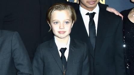 Shiloh Jolie-Pitt: la figlia di Brad e Angelina sul red carpet con look maschile