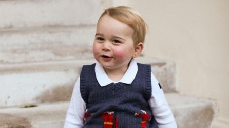 Il look del piccolo George per la foto di Natale