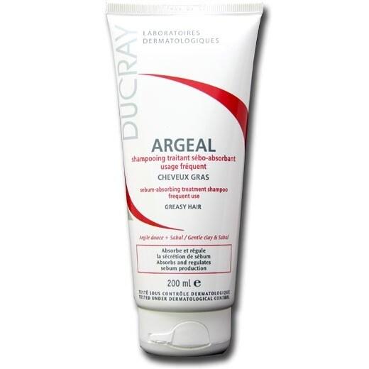 Uno shampoo crema che può essere utilizzato anche per i lavaggi frequenti: assorbe l'eccesso di sebo e rende i capelli morbidi e voluminosi.