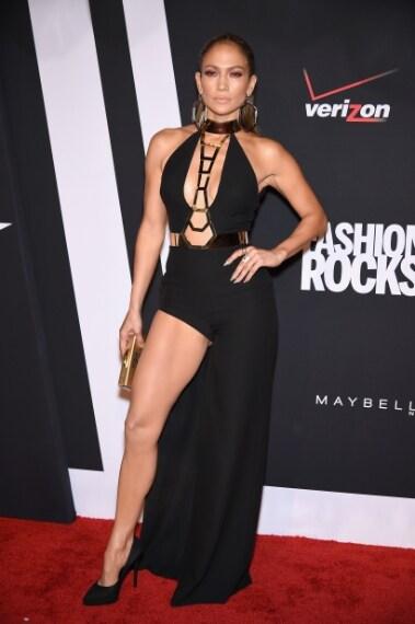 Nel settembre la cantante sfila al Fashion Rocks di New York con abito Atelier Versace