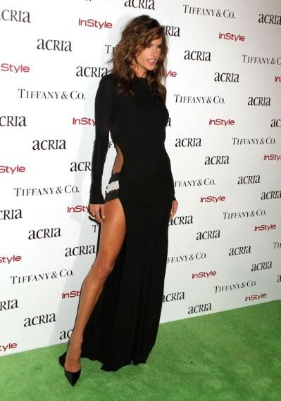 La top model all'ACRIA Holiday Dinner con abito Alexandre Vauthier nel mese di dicembre 2014