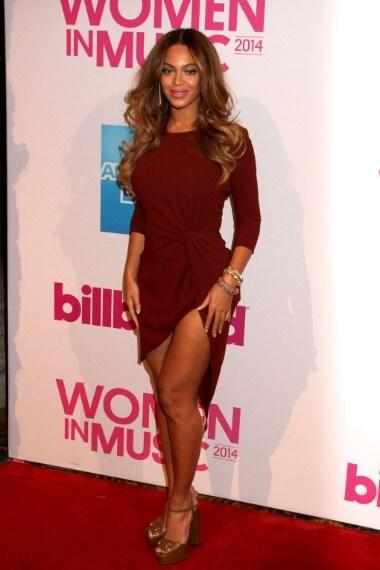 La cantante con abito Haute Hippie ai Billboard Women In Music Luncheon nel mese di dicembre 2014