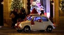Roma, Babbo Natale sulla 500 d'epoca