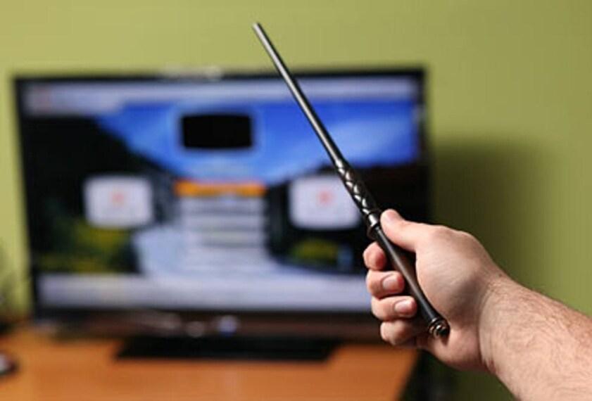 Remote Control Wand è un dispositivo telecomandato con 13 funzionalità tra cui anche quella di cambiare i canali della tv.