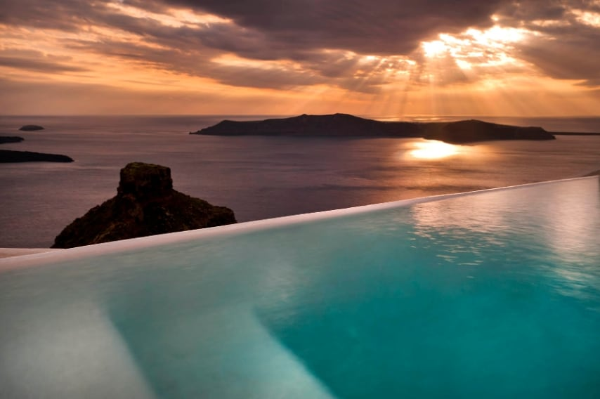 Unica struttura selezionata in Europa, il Kapari Natural Resort è una celebrazione della cultura greca e dell'architettura senza tempo delle Cicladi.
