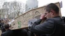 Charlie Hebdo, bare disegnate per i disegnatori uccisi