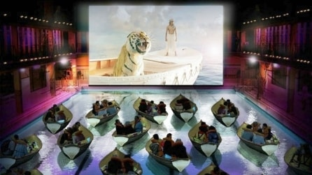 I 10 cinema più spettacolari in giro per il mondoDal cinema con l'idromassaggio a quello con i letti, dalle sale storiche a quelle ultra-tecnologiche, ecco le sale cinematografiche più belle ed incredibili al mondo.