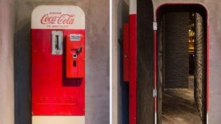 Shanghai, ecco cosa si cela dietro un vecchio distributore di coca cola in un bar