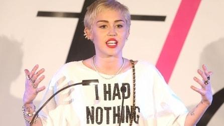 """Miley Cyrus e l'abito """"Non ho niente da mettere"""""""
