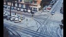 Sembra neve ma in realtà è grandine, lo stupore dei romani su Twitter