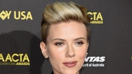Tutti i colpi di testa di Scarlett Johansson