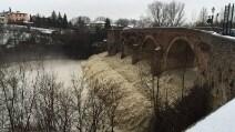Maltempo a Meldola, Forlì: il fiume Bidente in piena minaccia di esondare
