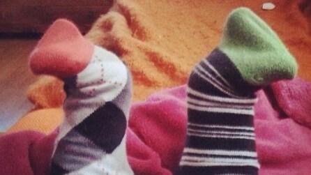 La Giornata mondiale dei calzini spaiati: è successo sui social