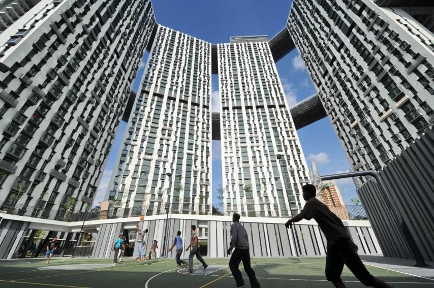 Questo complesso di appartamenti a Singapore in realtà è l'edificio più basso di questa lista per questo lo abbiamo scelto per primo esempio di edificio innovativo: non necessita essere un grattacielo per dirsi all'avanguardia.