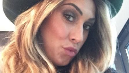 Il nuovo look di Melissa Satta: capelli biondi